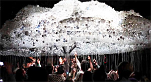 CLOUD--An-Interactive-Sculpture-Made-from-6,000-Light-Bulbs