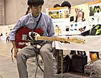 片麻痺患者でも弾くことが可能なギター